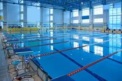 Pusty pływacki basen Obrazy Stock