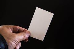 Pusty papier w rękach mężczyzna Obraz Stock