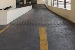 Pusty parking pokład z rampą ja Fotografia Royalty Free