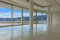 Pusty pokój nowożytny apartament na najwyższym piętrze Obrazy Stock