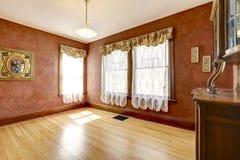 Pusty pokój w jaskrawym czerwonym kolorze Fotografia Royalty Free