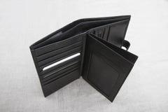 Pusty portfel; otwiera mężczyzna ` s portfel fotografia royalty free