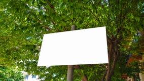 Pusty reklama sztandaru reklamy szablonu egzamin próbny W górę Odosobnionej ścinek ścieżki Bezpłatnej przestrzeni zdjęcia royalty free