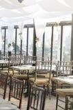 Pusty restauracyjny wnętrze w ranku zdjęcia stock