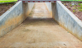 pusty rowerowy pas ruchu robi z betonem Obrazy Royalty Free