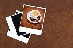 Pusty stary kamera film, rocznik kawa i kamera i Zdjęcia Royalty Free