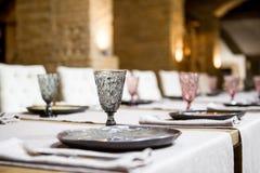 pusty szkieł restauraci set Bankieta stołu set Obrazy Stock