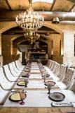 pusty szkieł restauraci set Bankieta stołu set Wnętrze luksusowa restauracja Zdjęcie Stock