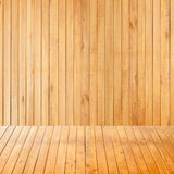 Pusty wewnętrzny pokój z drewno ścianą Zdjęcia Stock