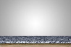 Pusty wierzchołek granitu kamienia stół odizolowywający na białym tle zdjęcie stock
