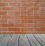 Pusty wnętrze dla projekta, drewniany Podłogowy ściana z cegieł pusty pokój Przestrzeń dla teksta i obrazka Projekta styl i pomys Obraz Stock