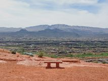 Pustyni i miasta panoramiczni widoki od wycieczkować wlec wokoło St George Utah wokoło Beck wzgórza, Chuckwalla, żółw ściana, raj Obrazy Royalty Free