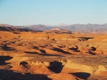 Pustynia i wysoki atlant gór pasma krajobraz w środkowym Maroko obraz royalty free