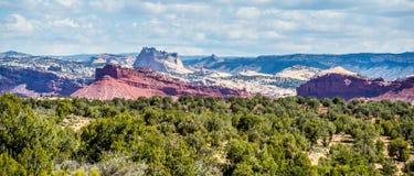 Pustynia kształtuje teren Utah z piaskowatymi górami fotografia royalty free