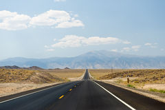 pustynna autostrada Nevada Zdjęcia Stock