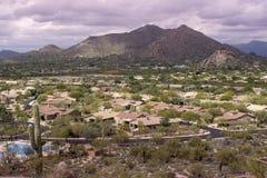 Pustynna krajobrazowa społeczność Scottsdale, AZ, usa Zdjęcia Royalty Free