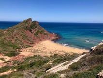 Pustynna plaża wśród zielonych łąk zdjęcie stock