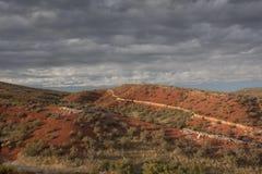 pustynnego górkowatego krajobrazowego nieba burzowy poniższy Obraz Royalty Free