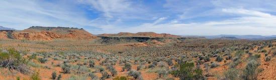 Pustynni panoramiczni widoki od wycieczkować wlec wokoło St George Utah wokoło Beck wzgórza, Chuckwalla, żółw ściany, raju obręcz Zdjęcie Stock