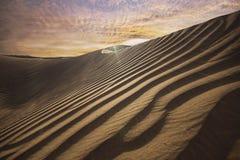 pustynny Dubai diun zmierzch obraz stock