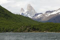 Pustynny jezioro Fitz Roy i góra, Argentyna Obrazy Stock