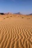 pustynny Jordan deseniowy rumowy piaska wadi Zdjęcia Stock