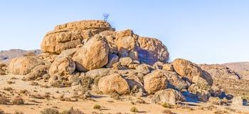 Pustynny krajobraz blisko Kliprand w Południowa Afryka Zdjęcie Stock