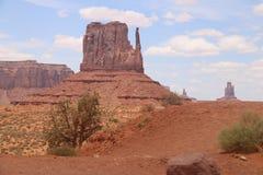Pustynny krajobraz w Arizona, Pomnikowa dolina Kolorowy, turystyka zdjęcia stock