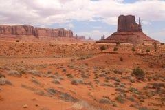 Pustynny krajobraz w Arizona, Pomnikowa dolina Kolorowy, turystyka fotografia stock