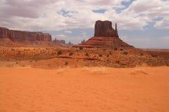 Pustynny krajobraz w Arizona, Pomnikowa dolina Kolorowy, turystyka zdjęcia royalty free