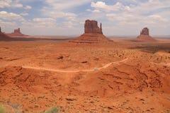 Pustynny krajobraz w Arizona, Pomnikowa dolina Kolorowy, turystyka zdjęcie royalty free