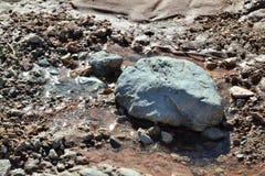 Pustynny strumień Z skałą Zdjęcie Stock