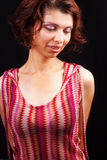 puszek elegancki patrzejący jeden zmysłowej kobiety Zdjęcie Stock