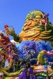 Putignano, Pouilles, Italie - 15 février 2015 : flotteurs de carnaval, monstre de papier-pierre Image libre de droits