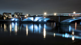 Putney Bridge. And the River Thames at night (blue and black Royalty Free Stock Photography