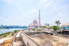Putra清真寺在布城,马来西亚 库存图片