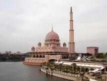 Putra, μαγικό ρόδινο μουσουλμανικό τέμενος, Μαλαισία, 2018 στοκ εικόνα με δικαίωμα ελεύθερης χρήσης