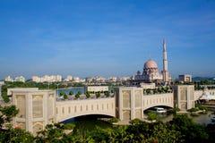 Putra Brücke in Putrajaya Lizenzfreies Stockbild