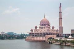 Putra meczet (Masjid Putra) Zdjęcie Royalty Free