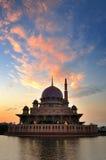 Putra meczet podczas wschodu słońca Fotografia Royalty Free