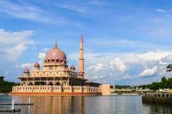 Putra meczet w Putrajaya, Malezja obrazy stock
