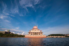 Putra-Moschee in Putrajaya, Malaysia Lizenzfreies Stockfoto