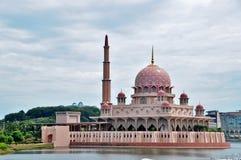 Free Putra Mosque Royalty Free Stock Photos - 54272198