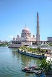 Putra Mosque, Putrajaya, Malaysia. PUTRAJAYA, MALAYSIA, MAY 25, 2015 : Putra Mosque (Masjid Putra) is the principal mosque of Putrajaya, Malaysia. Construction Royalty Free Stock Photography