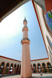 Putra Nilai清真寺庭院在Nilai,森美兰,马来西亚 库存图片