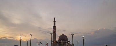 putra putrajaya мечети стоковые изображения rf