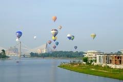 Putrajaya, Malásia - 12 de março de 2015: 7o balão de ar quente internacional Fiesa de Putrajaya em Putrajaya, Malásia Foto de Stock