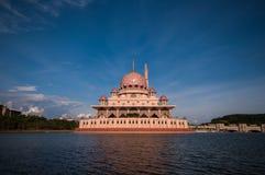 Putramoskee in Putrajaya, Maleisië Royalty-vrije Stock Afbeeldingen