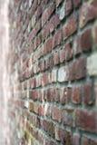 Putrefazione-braune Backstein oder Ziegelwand, un muro di mattoni marrone-rosso di Ein immagine stock libera da diritti