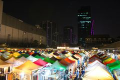 Putrefazione Fai Train Market di Ratchada a Bangkok, Tailandia fotografie stock